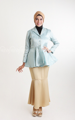 Dolce Skirt  by Aprilia