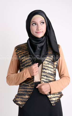 Dahayu Blazer by Shafa Designs