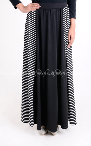 Noura Skirt by Radwah
